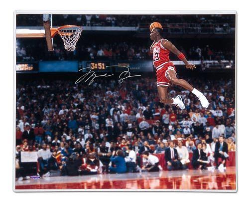 michael-jordan-autographed-gatorade-slam-dunk-photo-unframed1_f534b00bc1e00268c934dcefa3beb055