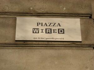 Piazza Wired 300x225 Wired per il WiFi Libero, Guerrilla in Piazzale Cadorna a Milano