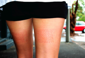 Superette 2 300x203 Ambient Marketing sulle Gambe ad Auckland