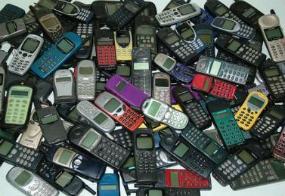 Rifiuti Tecnologici: Vecchi modelli di cellulari