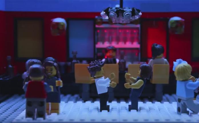 Ben e Kirsten, in versione Lego, ballano in discoteca