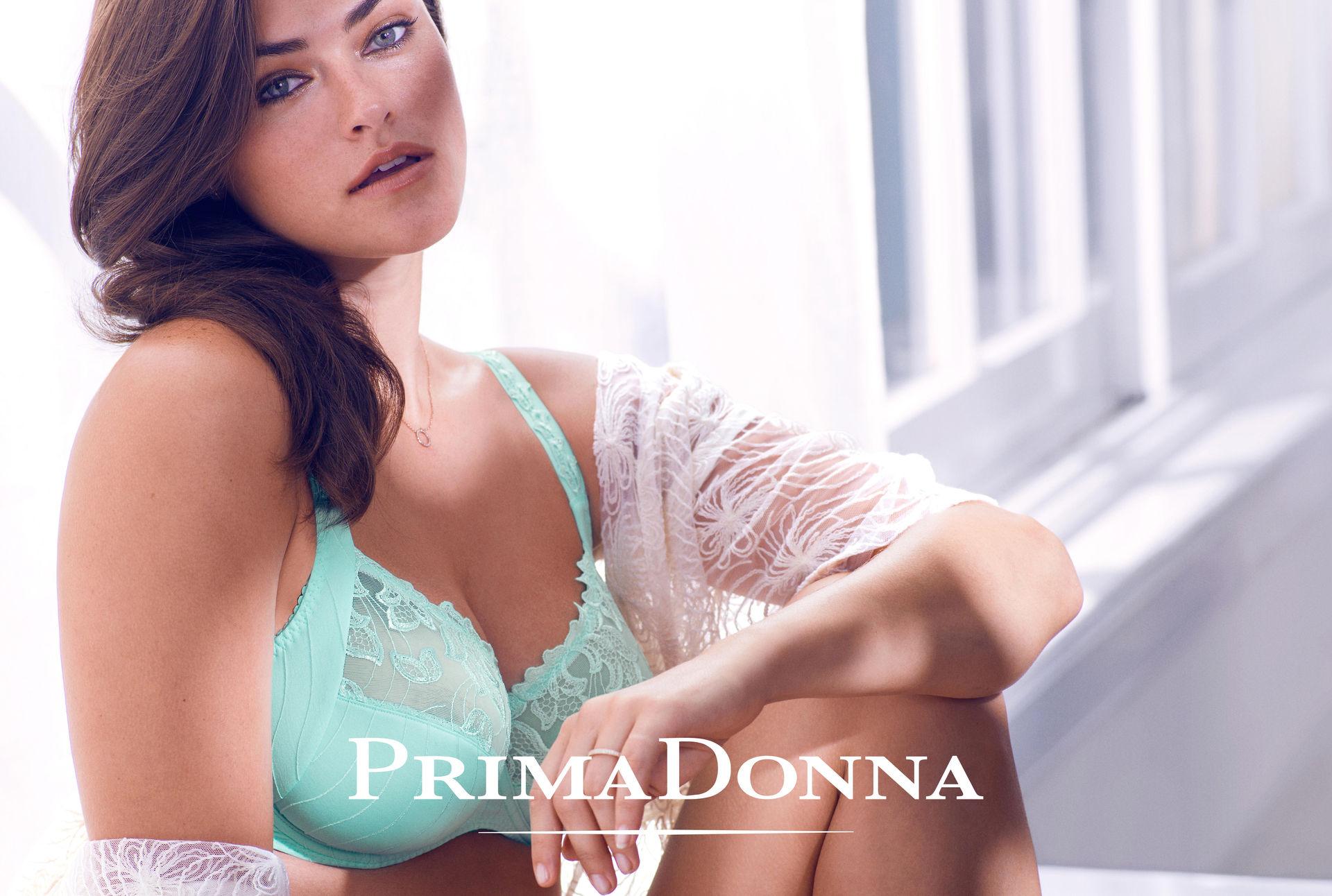 Una modella di lingerie di Primadonna